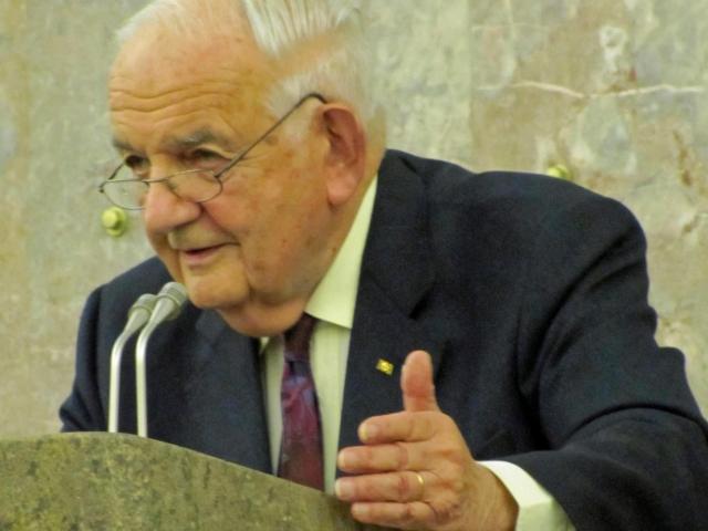 Grosser, Alfred Prof.